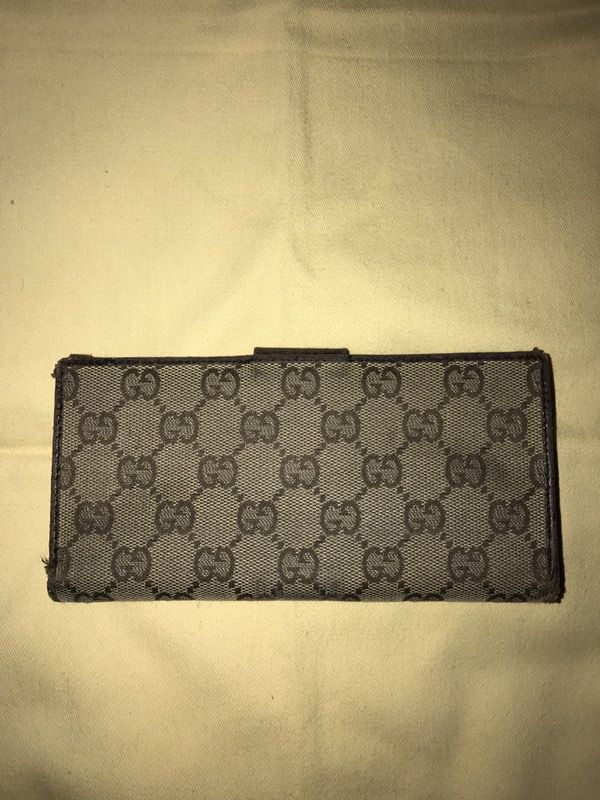 3f4be5428d3e Authentic Gucci Checkbook Cover for Sale in South San Francisco ...