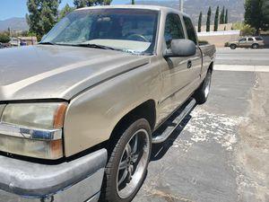 1999 chevrolet silverado 4x4 for Sale in DEVORE HGHTS, CA