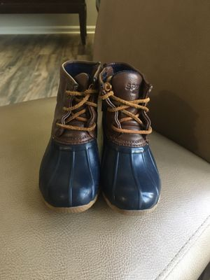 Sperry size 9 girls boots for Sale in Oswego, IL