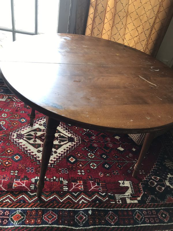 Antique round string sturdy table