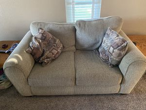 Free sofa for Sale in Elk Grove, CA