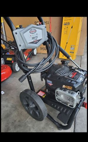 SIMSON GAS 2800 PSI PRESSURE WASHER LIKE NEW for Sale in San Bernardino, CA