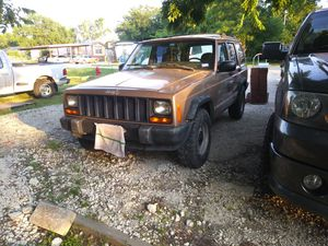 Jeep cherokee for Sale in Roanoke, TX