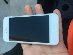 iPhone 5 Verizon carrier for Sale in Sunrise Manor, NV
