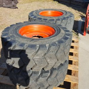 Bobcat S250 Camso Tires & Wheels 12 X 16.5 for Sale in Long Beach, CA
