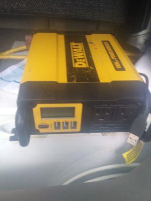 Dewalt 1000 watt 2000peak for Sale in Bradenton, FL