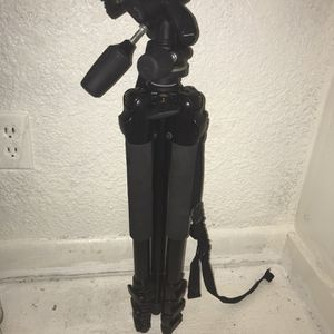 Professional Tripod for Sale in Portsmouth, VA