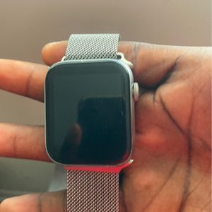 Apple Watch Series 5 Silver Band Anysize for Sale in Charleston, SC