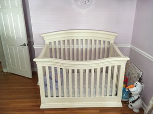 Babies-R-Us White Crib for Sale in Winter Park, FL