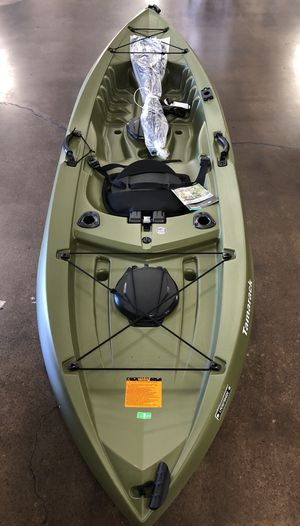 Kayak 10FT Tamarack Angler 100 with paddle (New) weight capacity 275LB NO LOW BALLERS! SERIOUS BUYERS ONLY! for Sale in Seal Beach, CA