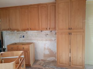 Kitchen cabinets n counter tops a whole kitchen set for Sale in Los Angeles, CA