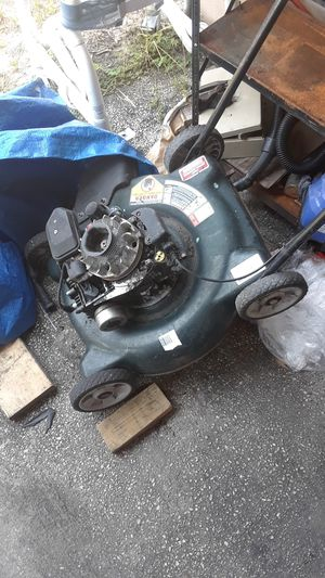 Lawn mower for parts (needs coil) for Sale in Auburndale, FL
