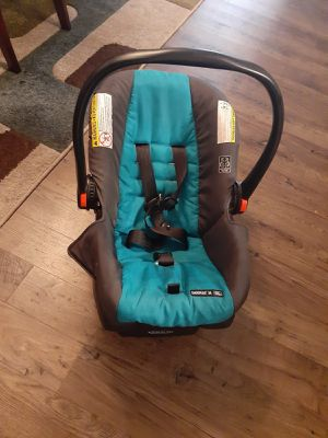 Graco car seat with base for Sale in Concord, NC