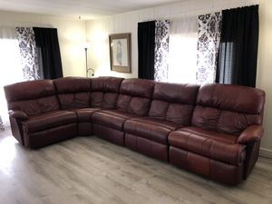 Leather couch (red/brown) for Sale in Morgan Hill, CA