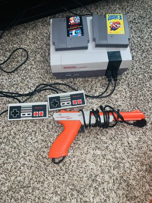 NES with Gun and Games ! for Sale in West Chicago, IL