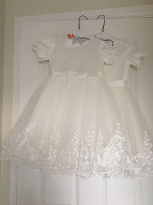 White satin/lace flower girl dress - Size 5 for Sale in Puyallup, WA