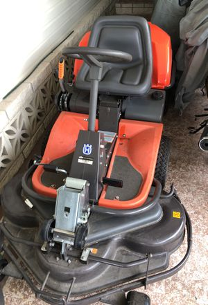 Haskavarna Riding Lawn Mower for Sale in Kissimmee, FL