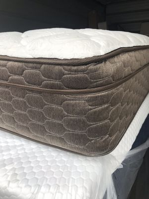 Queen size medium firm European pillow top queen size with box spring for Sale in Portland, OR