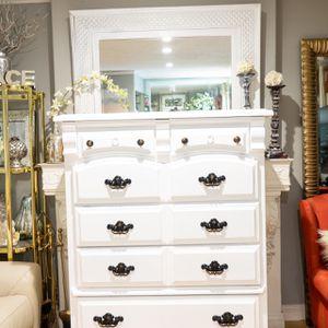 Pure White Dresser Chest w/ Black & Gold Handles for Sale in Glendora, CA
