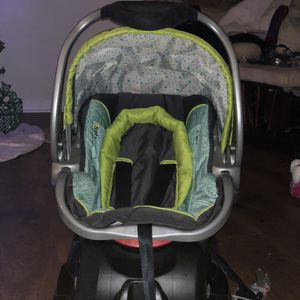 Car Seat & Adjustable Base for Sale in Norfolk, VA