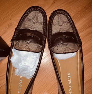 COACH penny loafers (women) size 6 $25 great condition for Sale in Scottsdale, AZ