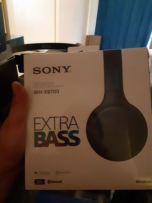 Selling Sony extra bass wireless headphones for Sale in Baytown, TX