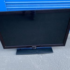 """Samsung LCD 40"""" TV for Sale in Atascadero, CA"""