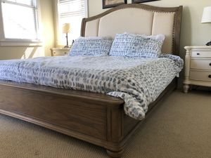 King bed, padded headboard with dresser and 2 night stands for Sale in Snoqualmie, WA