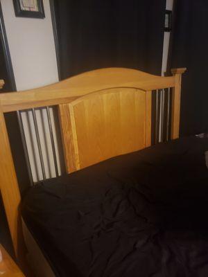 Full / Queen bedroom set for Sale in Bethlehem, PA
