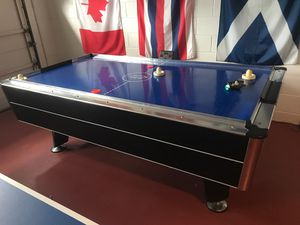 Air Hockey Table for Sale in CHAMPIONS GT, FL