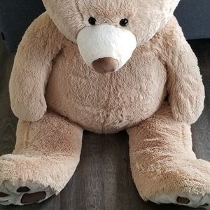 Giant Teddy for Sale in Hillsboro, OR