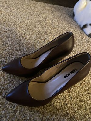 Women's shoes and sunglasses for Sale in Spokane, WA