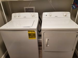 Hot point washer dryer set for Sale in Columbia, MO