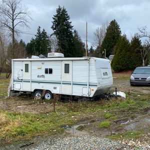 Travel Trailer Layton 2002 for Sale in Maple Valley, WA