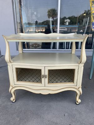 End table by Drexel for Sale in North Redington Beach, FL