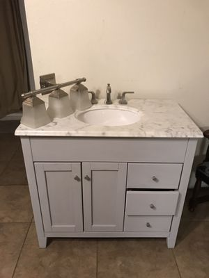 Bathroom vanity for Sale in Phoenix, AZ