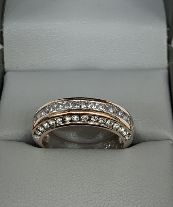 1CT. Diamond Infinity Ring, Set In Sterling Silver Rose Gold 925 Stamped. Please See Details (OBO)