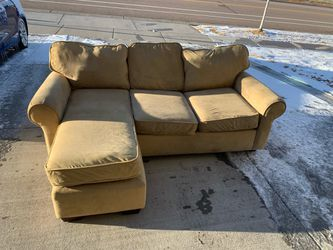 (FREE DELIVERY) Small Tan Sectional for Sale in Littleton,  CO