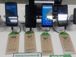 Moto et CRUISE,LG Fortune 2,Cricket Icon,Alcatel INSIGHT for Sale in Biloxi, MS