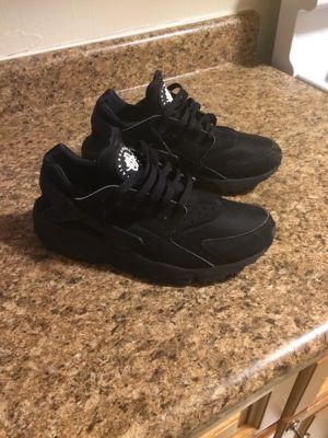 Nike huaraches size 9 good condition for Sale in Bronx, NY