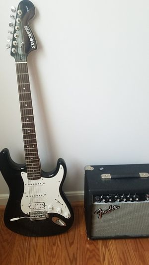 Guitar and amp (no cable) for Sale in Manassas, VA