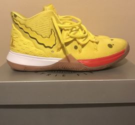 Spongebob Kyrie 5 Shoe Size 6 Men's/Boys for Sale in East Peoria,  IL