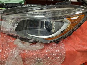 Mercedes Benz 2014-18 headlight for Sale in The Bronx, NY