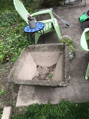 cement planter for Sale in Glenshaw, PA