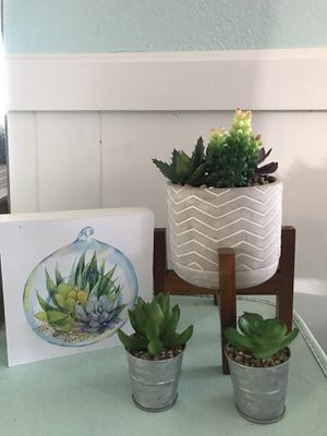 Artificial Succulent set. for Sale in Fresno, CA