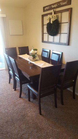 Beautiful dining table set. Very heavy and durable. for Sale in Apple Valley, CA