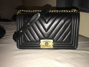 CHANEL 2019 Chevron Quilted Leather Black Small Boy Flap Bag Matte for Sale in Sacramento, CA