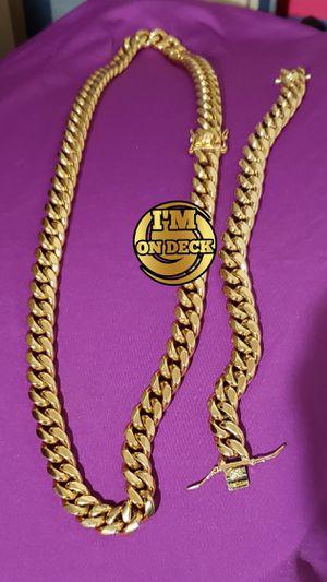 👑👑👑12mm 14k Gold Plated Cuban Link Set 🔥🔥🔥I Deliver🚘🚘🚘💱💱💱💯💯 for Sale in Miami, FL