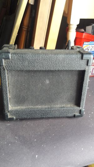 Small amp for guitar for Sale in Weslaco, TX