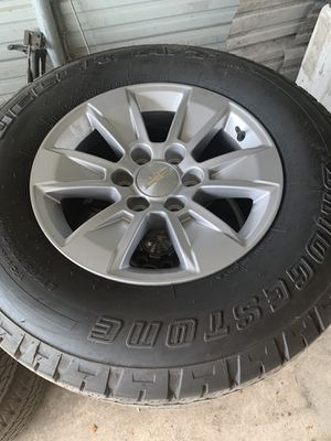 Chevy Silverado 265/70/17 80% tread for Sale in Plant City, FL